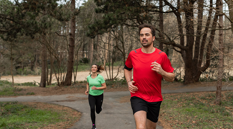 man en vrouw hardlopen