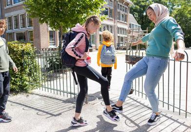 kinderen op schoolplein