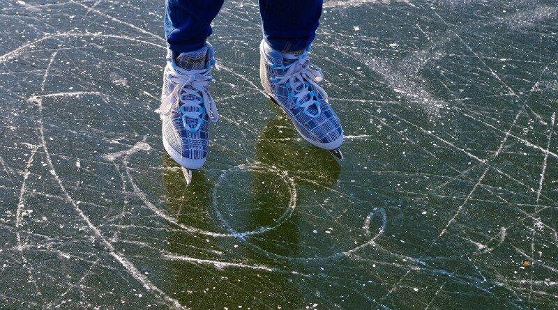 IJshockeyschaatsen, noren of kunstschaatsen